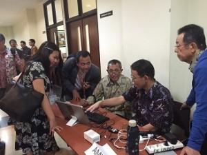 中島先生、インドネシア2